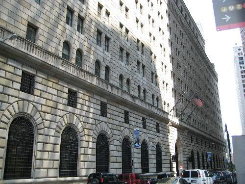 ニューヨーク:FRB(連邦準備銀...